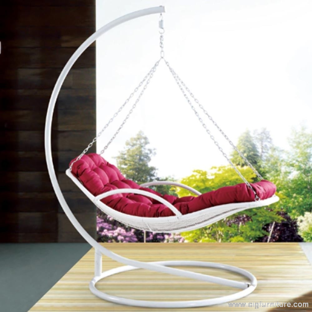 Premium Indoor Outdoor Pe Rattan White Day Bed Style Hanging Chair Swing